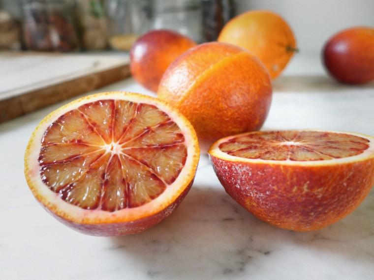 oranges coupées en 2